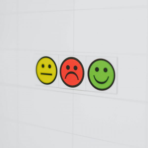 Face indicator magnets