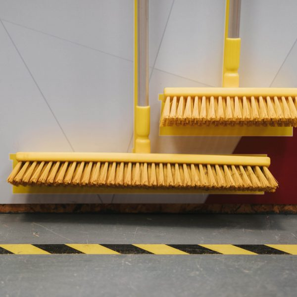 Floor sweeping cleaning station details