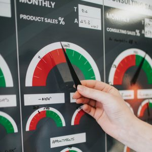 Magnetic dial pointers on KPI board